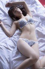 佐藤美希 清純系アイドルが魅せる上品ランジェリー