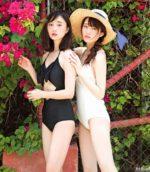 鈴木友菜と松川菜々花の可愛い水着コラボ