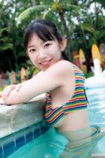 下に乳がはみ出てる…プールで遊ぶまりちゅう