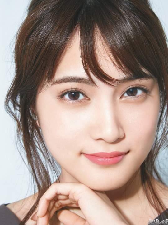 AKB48入山杏奈の顔だけで抜ける画像