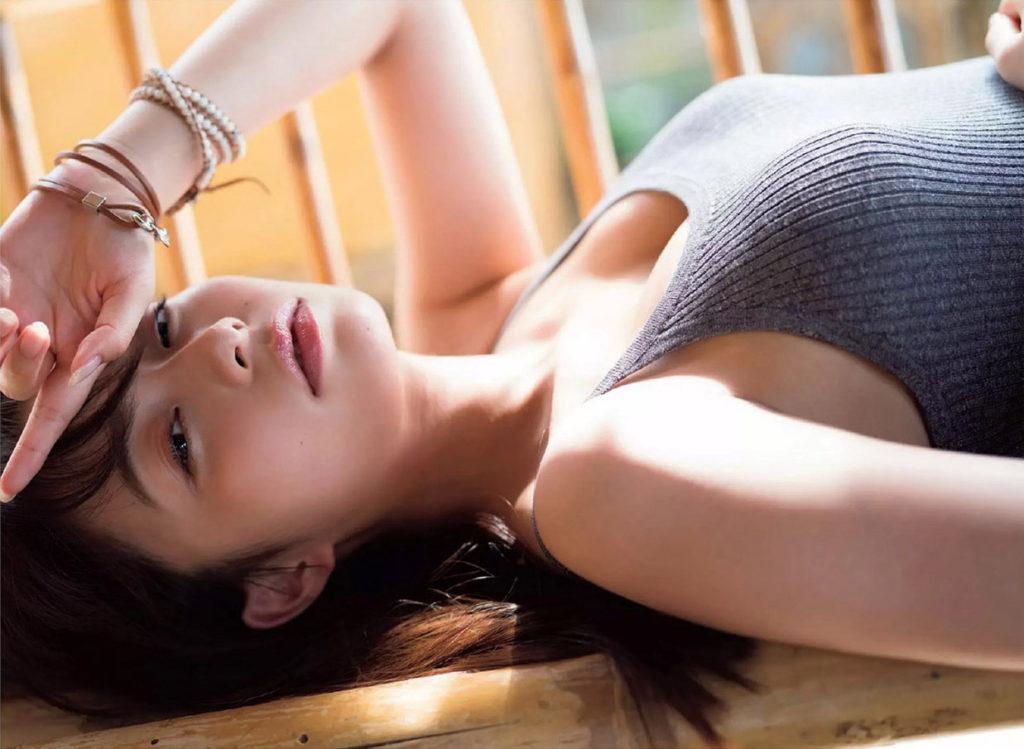 かなり巨乳…!宇垣美里アナのチラ見せおっぱい画像