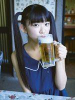 長澤茉里奈 ビールを飲む美少女