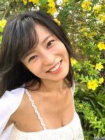 小島瑠璃子の私服からチラリと見える胸元がエロい