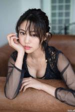 過小評価されてる超絶美ボディーアイドル 志田友美のエッチなグラビア画像